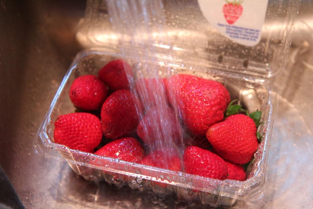 Strawberry YogurtBreakfast Parfaits
